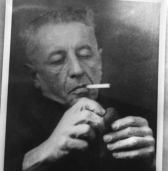 Israeli poet, Natan Alterman, from Kfar Saba Municipal Museum via Wikimedia